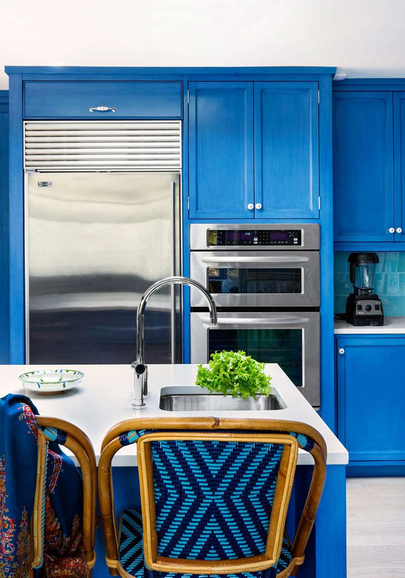 10-hbx-blue-kitchen-1113-de